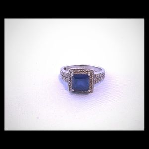 White gold 10k ring with lab created sapphire
